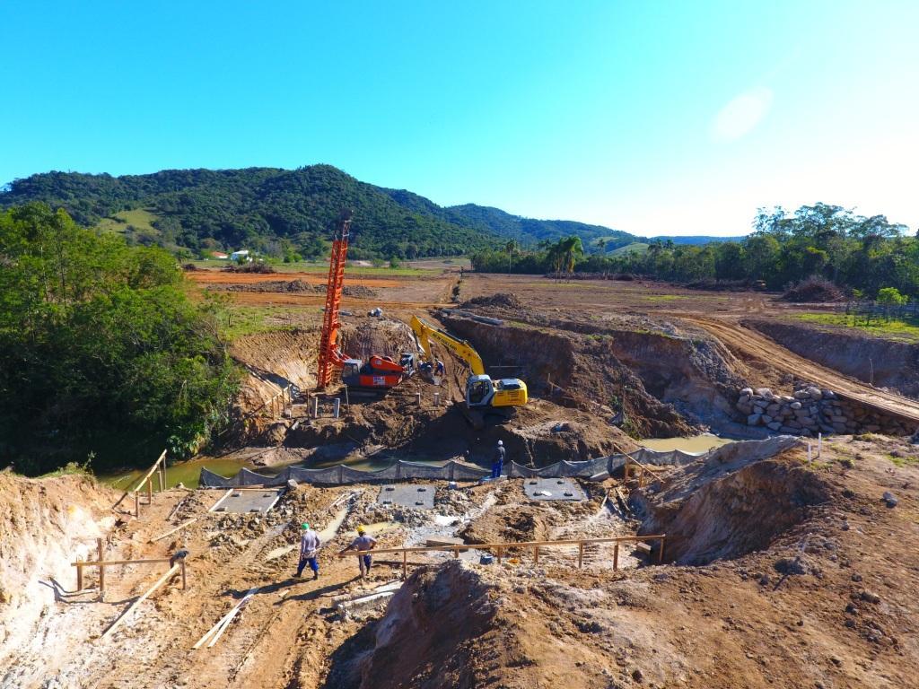 Acompanhamento do Início das Obras da Ponte na Avenida que fará a ligação Forquilhas – Potecas –  20.09.2016